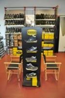 Schuhe im Snickers Workwear Flagstore bei Praetner in Freising