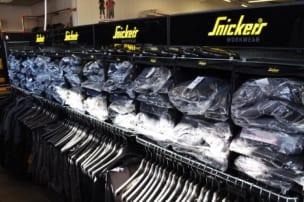 Arbeitsschutz Produkte im Snickers Workwear Flagstore bei Praetner in Freising