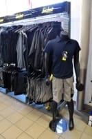 Arbeitsschutz Shorts und Jacken im Snickers Workwear Flagstore bei Praetner in Freising